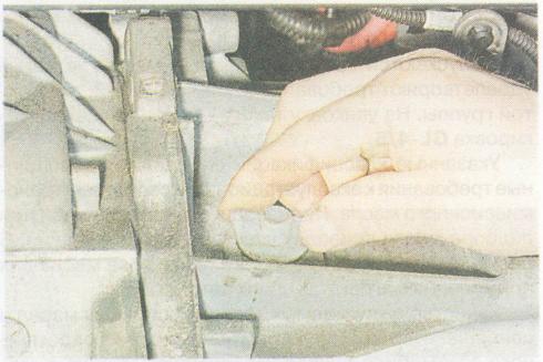 Замена масла в акпп дастер своими руками